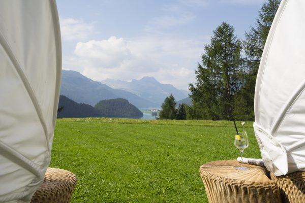 garden-lounge-summer